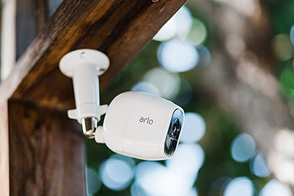 arlo-pro-2-camera.jpg